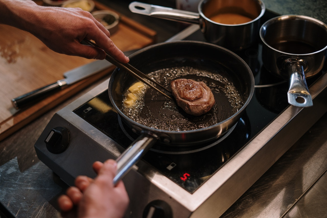 5 tips om een aangebrande pan schoon te krijgen